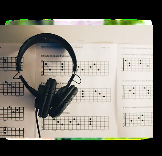 用户听超品或者无损音乐的时候,魔声音波会针对每首歌曲的节拍、速度、频率、精准计算出现音波,音波会随着不同的歌产生不同的动态变化和艳丽的的色调,实时体现音乐的波谱,帮助用户感受超高音质带来的效果